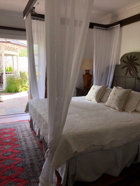 DELUXE VILLA AT COTTON BAY WITH A POOL BY THE SEA IN CAP ESTATE